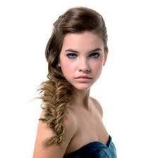 photo de coiffure simple et rapide pour une occasion familiale