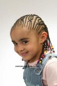 coiffure simple pour petite fille de 5 ans photo de coiffure pour petite fille de 5ans. Black Bedroom Furniture Sets. Home Design Ideas