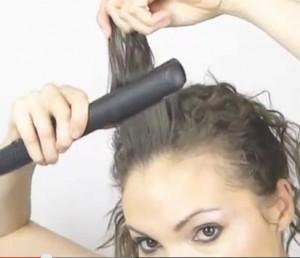 Coiffure simple et rapide cheveux bouclé