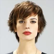 Coupe cheveux simple femme cheveux courts