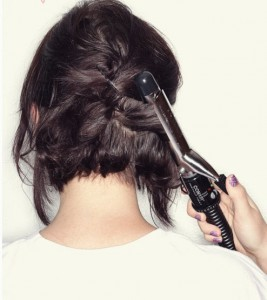 Coiffure simple cheveux courts