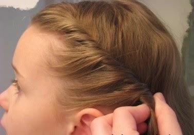 Une coiffure simple pour petite fille