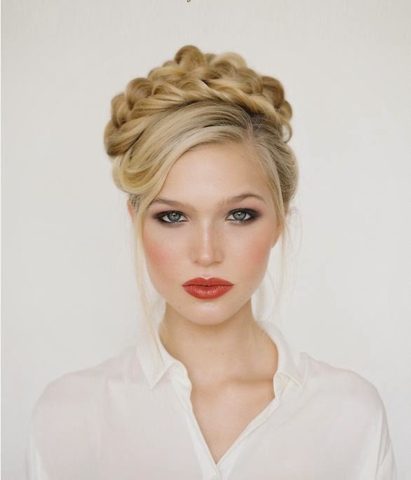 chignon simple mariage coiffure tendance 2014 coiffure simple et facile. Black Bedroom Furniture Sets. Home Design Ideas