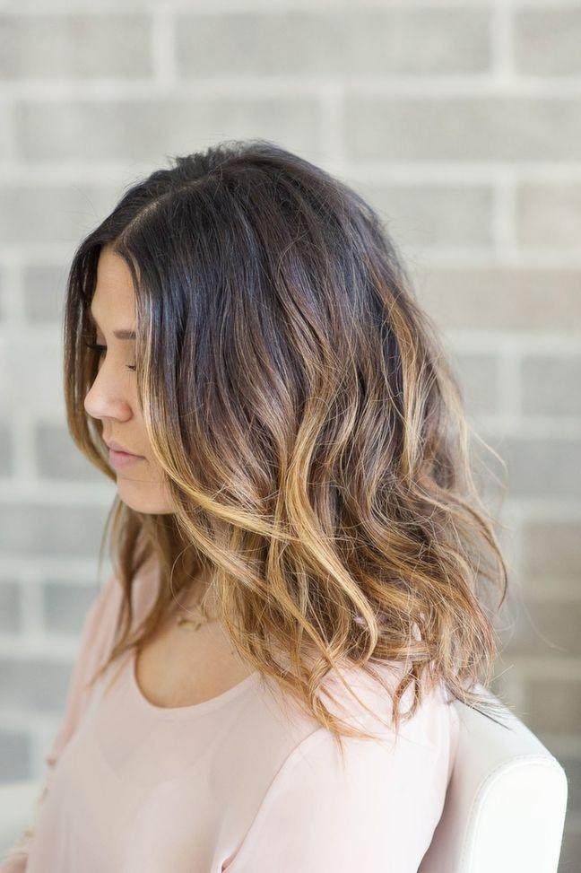 Nous mettons à votre disposition 20 modèles de ombré hair chic magnifiques pour les cheveux mi,longs. Découvrez toutes les tendances coloration cheveux sur