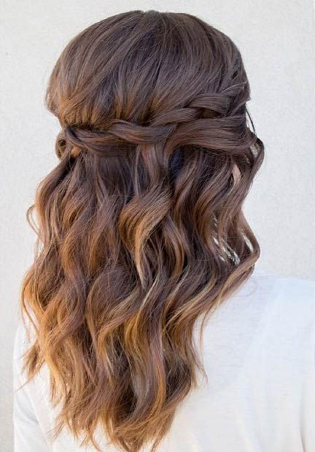 Coupe pour mariage cheveux mi long