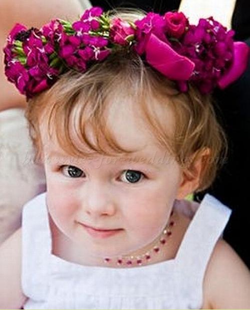 Coiffure petite fille pour mariage coiffure simple et facile for Comidee coiffure petite fille