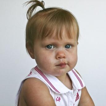 10 coiffures ultra rapides pour petite fille coiffure simple et facile - Coiffure petite fille simple ...