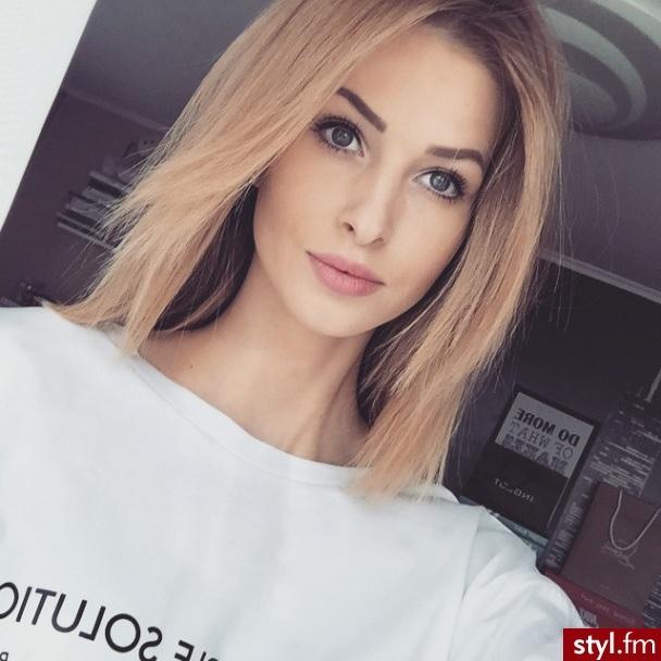 Cheveux Mi-longs  25