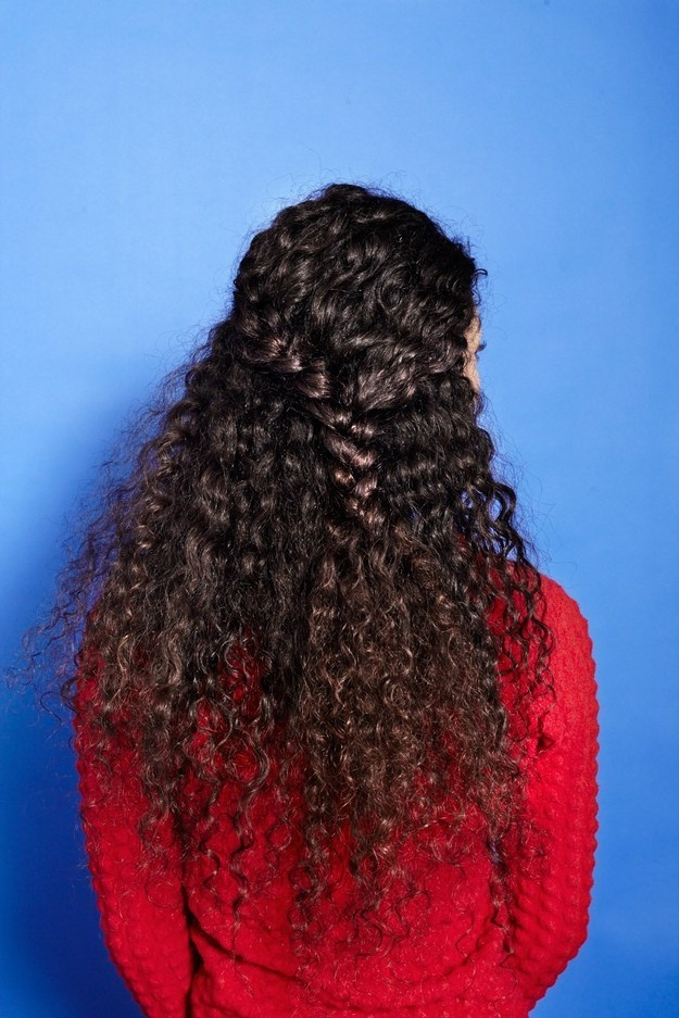 Coiffures-Pratiques-Sur-Cheveux-Bouclés-11