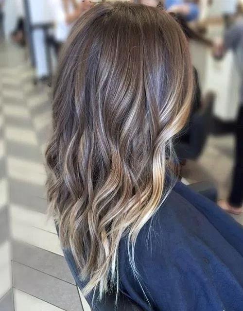 Idées-de-Balayage-Blonds-Caramel-et-Marrons-11