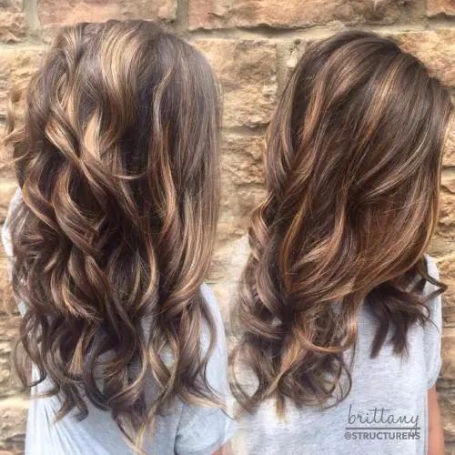 Idées-de-Balayage-Blonds-Caramel-et-Marrons-26