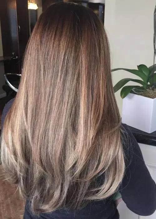 Idées-de-Balayage-Blonds-Caramel-et-Marrons-33