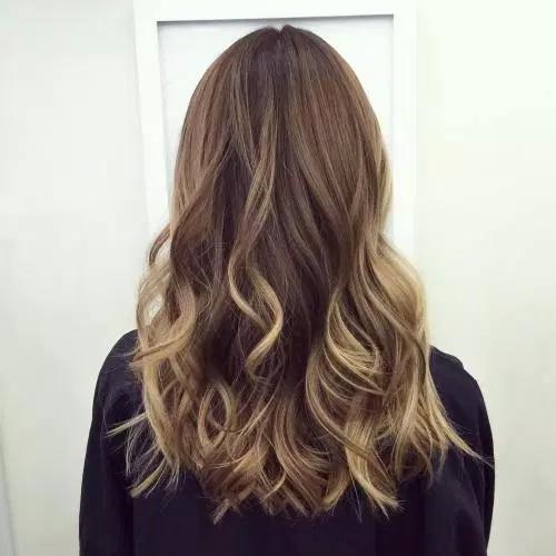 Idées-de-Balayage-Blonds-Caramel-et-Marrons-50