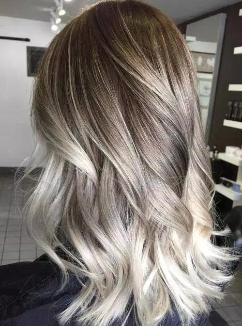 Idées-de-Balayage-Blonds-Caramel-et-Marrons-58