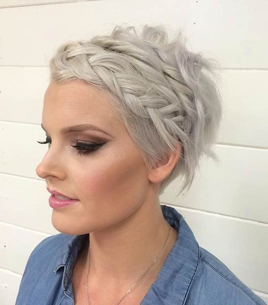 Coupe de cheveux courte femme mariage