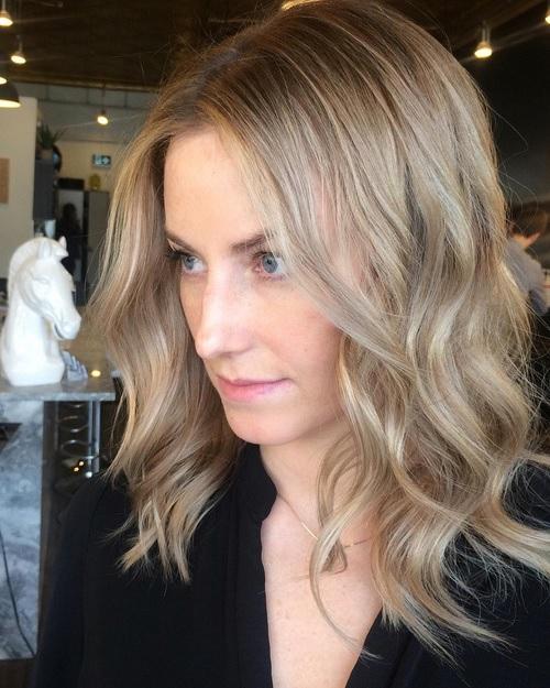 cheveux Mi-longs 44