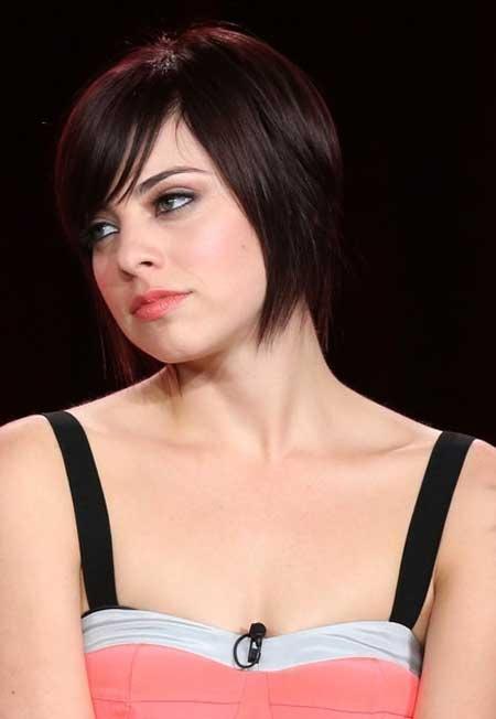 Derniers Celebrity coiffures courtes 10