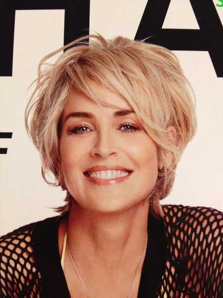 Derniers Celebrity coiffures courtes 2