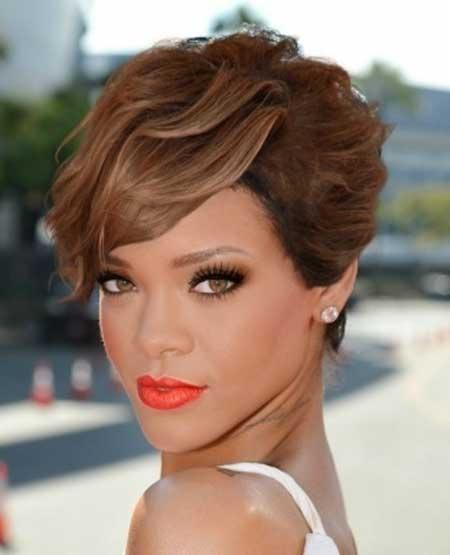 Derniers Celebrity coiffures courtes 6
