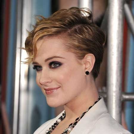 Derniers Celebrity coiffures courtes 8