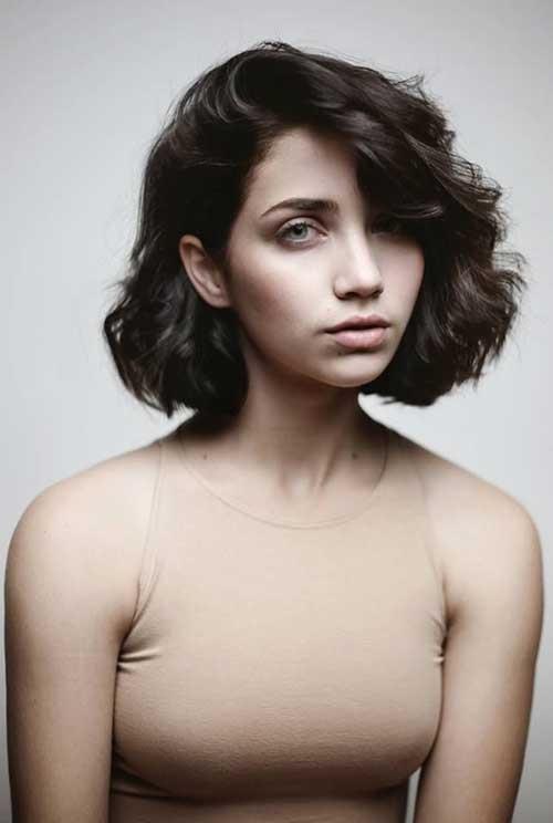 cheveux-foncés-courts-17