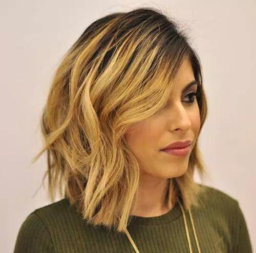 coupe-cheveux-mi-long-16