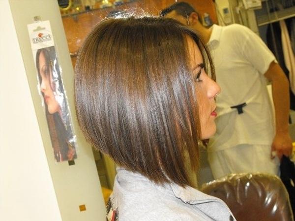 meilleurs-coiffures-courtes-sombres-2