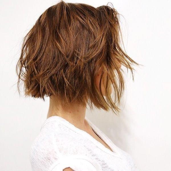 meilleurs-coiffures-courtes-sombres-5