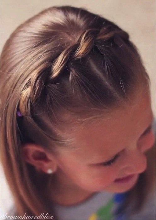 Modèles de Coiffures pour Petites Princesses 17