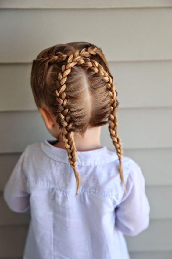 Modèles de Coiffures pour Petites Princesses 9