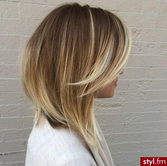 cheveux mi-longs 2