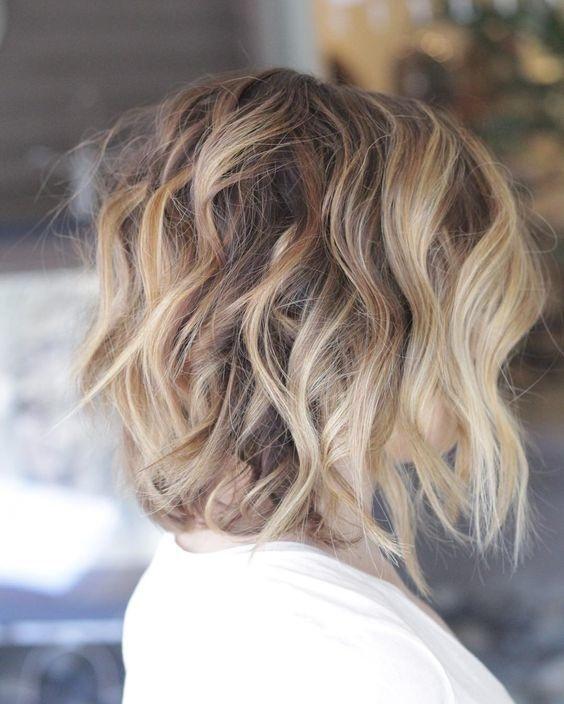 ... Magnifiques Modèles de cheveux Mi-longs  Coiffure simple et facile