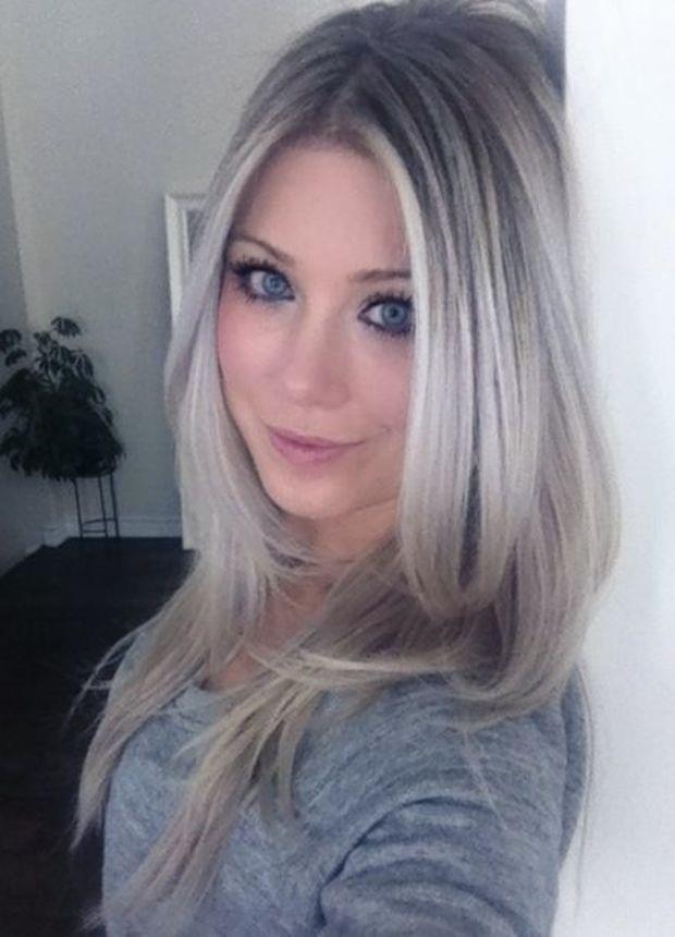 cheveux silver la tendance de cet hiver coiffure simple et facile. Black Bedroom Furniture Sets. Home Design Ideas