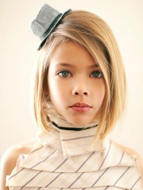 Coupes Carrée Portée par des Petites filles 14