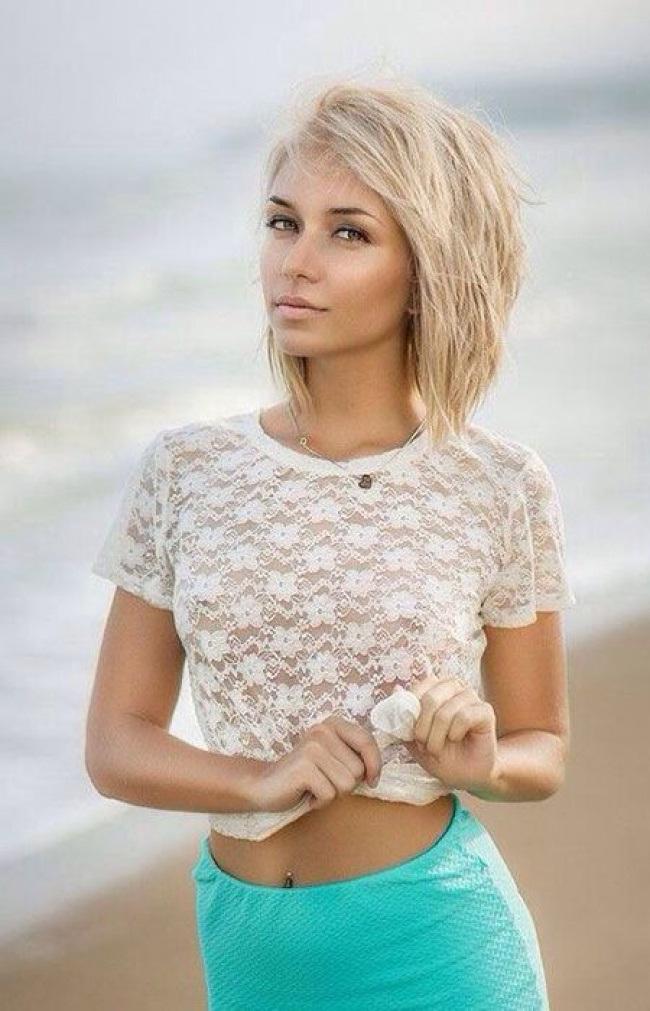 Coupes-Carrées-Blonde-15