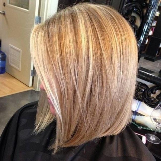 Coupes-Carrées-Blonde-24