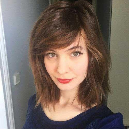 cheveux-mi-longs-avec-franges-5