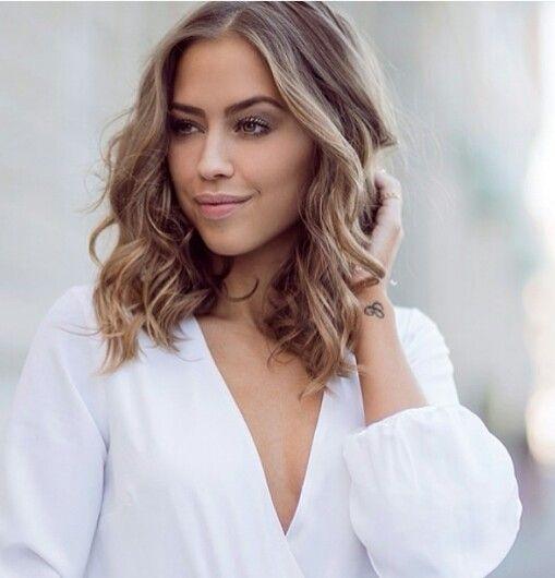 magnifiques-coupes-cheveux-mi-longs-21