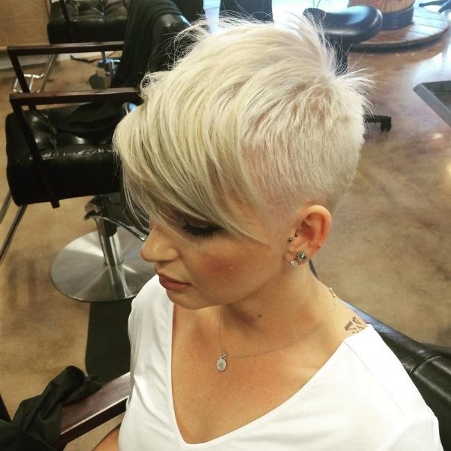 Magnifiques coupes courtes pour femmes collection tendance 2017 coiffure simple et facile - Coupe undercut femme ...