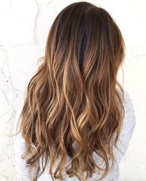 cheveux marron caramel affordable prfrence balayage glamu caramel pour cheveux chtains bruns. Black Bedroom Furniture Sets. Home Design Ideas