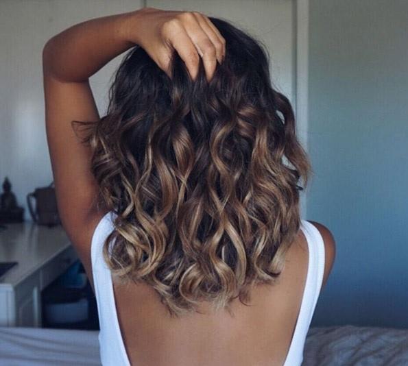 Cheveux Mi-longs Ondulés : Un Choix à ne Jamais Regretter, la Preuve en Photos | Coiffure simple ...