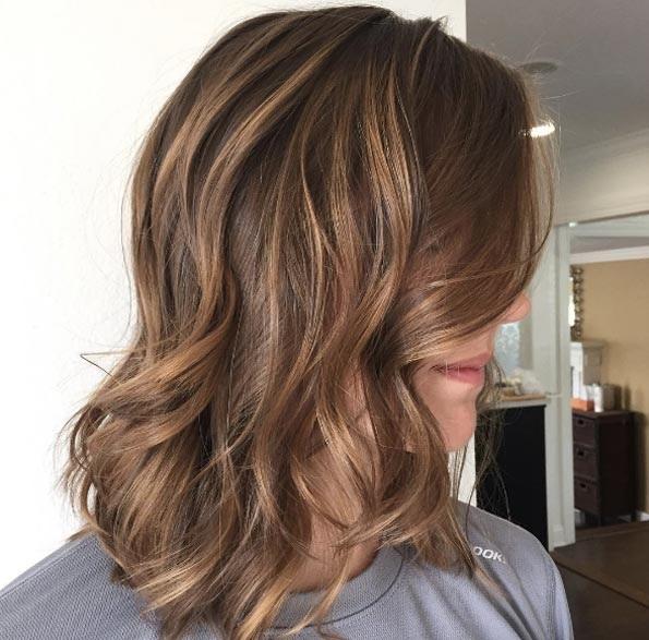 cheveux-mi-longs-ondules-24