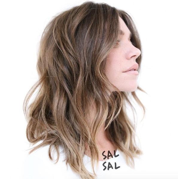 cheveux-mi-longs-ondules-27