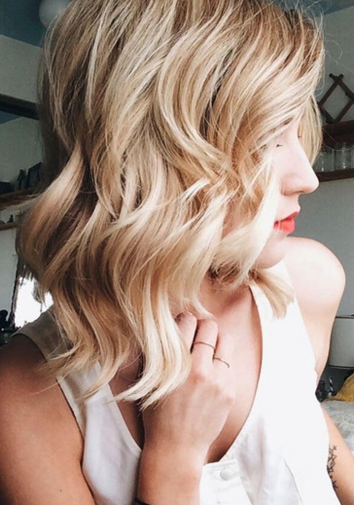 magnifiques-idees-pour-des-cheveux-mi-longs-sublimes-1