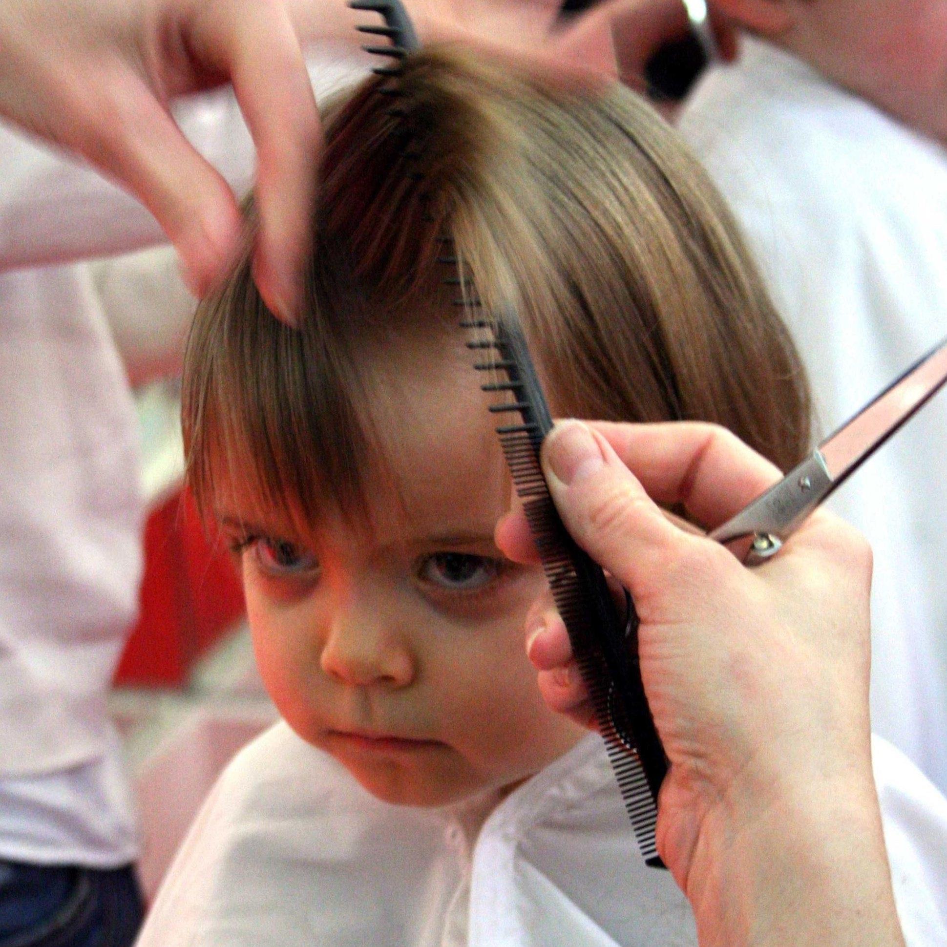 Coiffure fille 2 ans tutoriels coiffures fille 2 ans coiffure simple et facile - Coiffure pour petite fille de 4 ans ...
