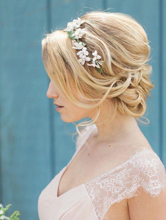 Coiffure femme mariage les plus belles coiffures mariage tendance 2017 coiffure simple et facile - Chignon mariage simple ...