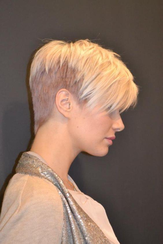 Coupes courtes femme tendance 2017 coiffure simple et facile - Modele de coiffure femme 2017 ...