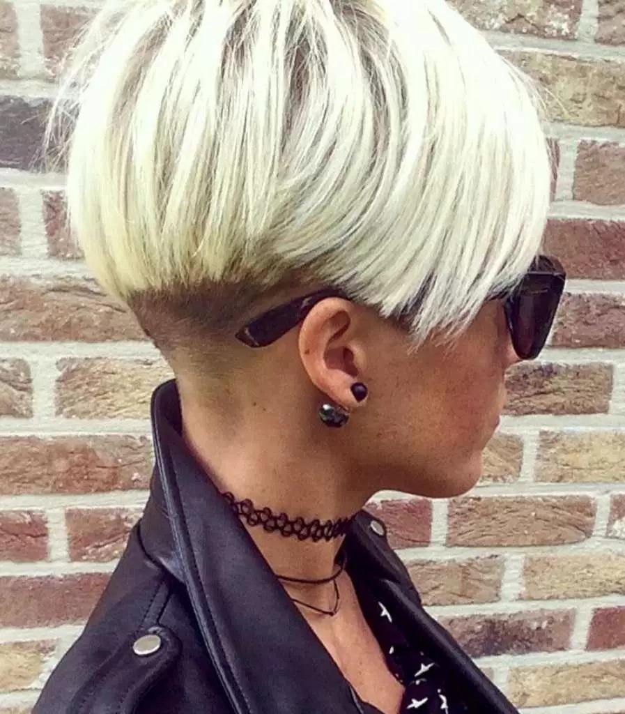 coupe de cheveux court femme 2017 20 mod les coiffure simple et facile. Black Bedroom Furniture Sets. Home Design Ideas