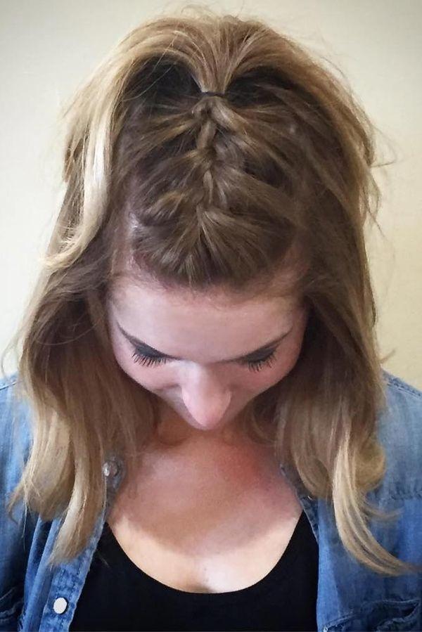 coiffures cheveux courts les plus belles photos de coiffures coiffure simple et facile. Black Bedroom Furniture Sets. Home Design Ideas