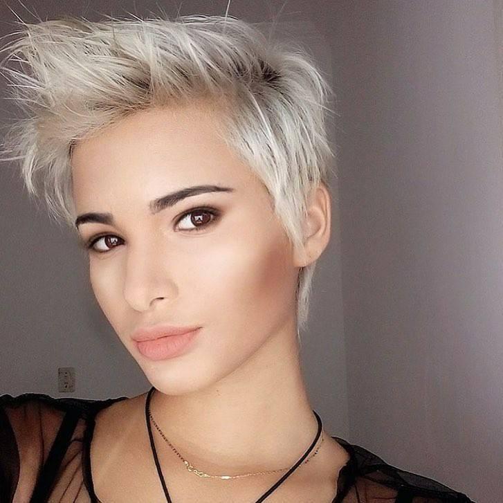 coupes courtes blondes : 10 photos de coupes courtes pour femmes blondes | Coiffure simple et facile